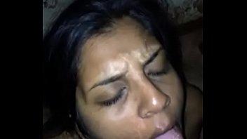 Нигер и пьяная шалунья перепихнулись в кроватки вскоре после прогулки