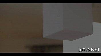 Парочки лесбиек, которые лижут спутник спутнику тугие аналы
