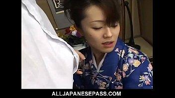 Сисястую японку трахают толпой во все дырки