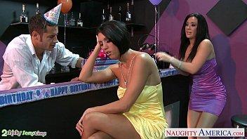 Моника сейдж на порно пробах показала сочные формы и отдалась агенту