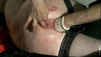 Телка в маске дала соснуть вагину