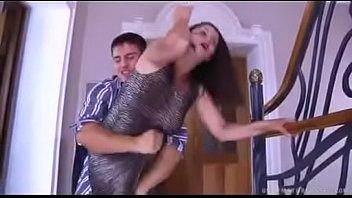 Забавные положения юный девушки где она чпокается в попка